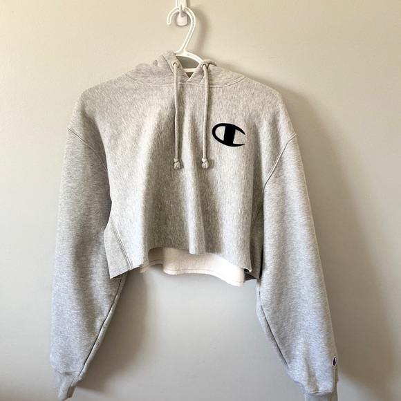 Champion cropped hoodie/sweater